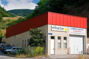 Vista exterior de las instalaciones de Aceites Industriales Eibarlar, s.l. también conocido como Lubricantes Larrarte